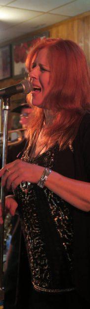 Paula Tessaro -Vocals
